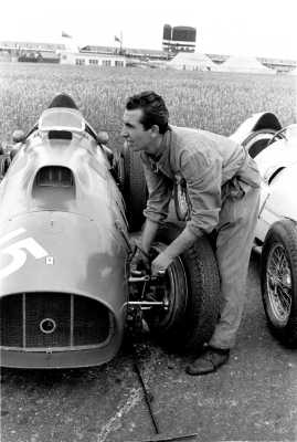 Ferrari 375 F1 Cars And Mechanic Photo 1952 Silverstone