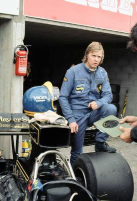 Lotus 72 Ronnie Peterson 1974 French Gp Pits